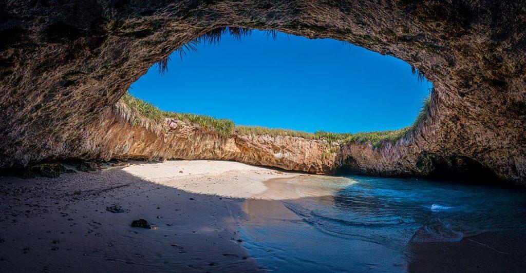 Snorkeling at Islas Marietas – ecotoursvallarta.com